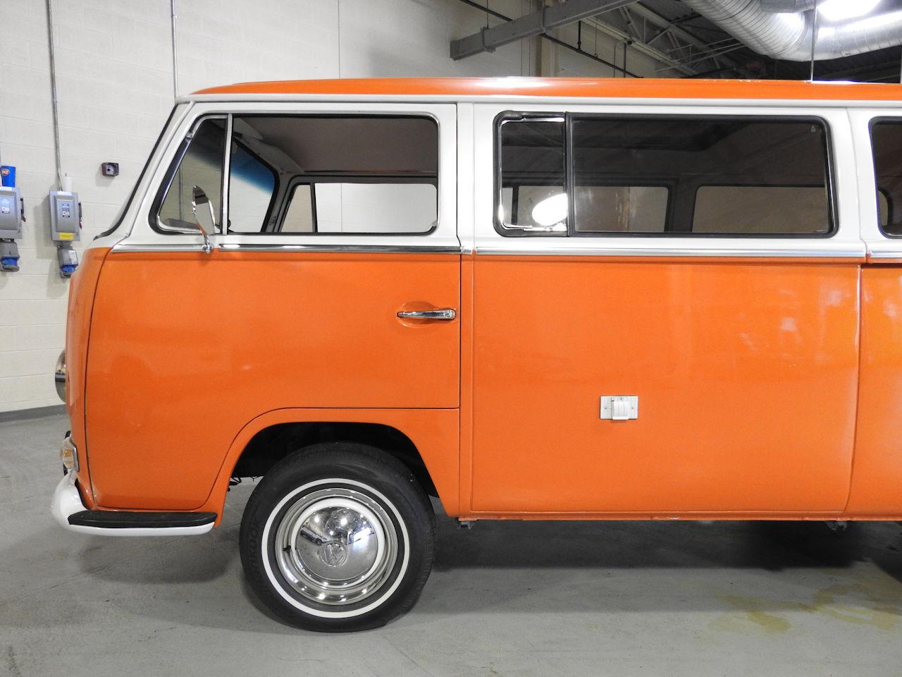 1969 Volkswagen Weekender 26