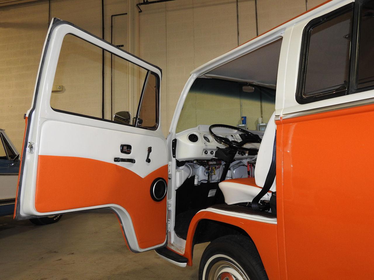 1969 Volkswagen Weekender 52