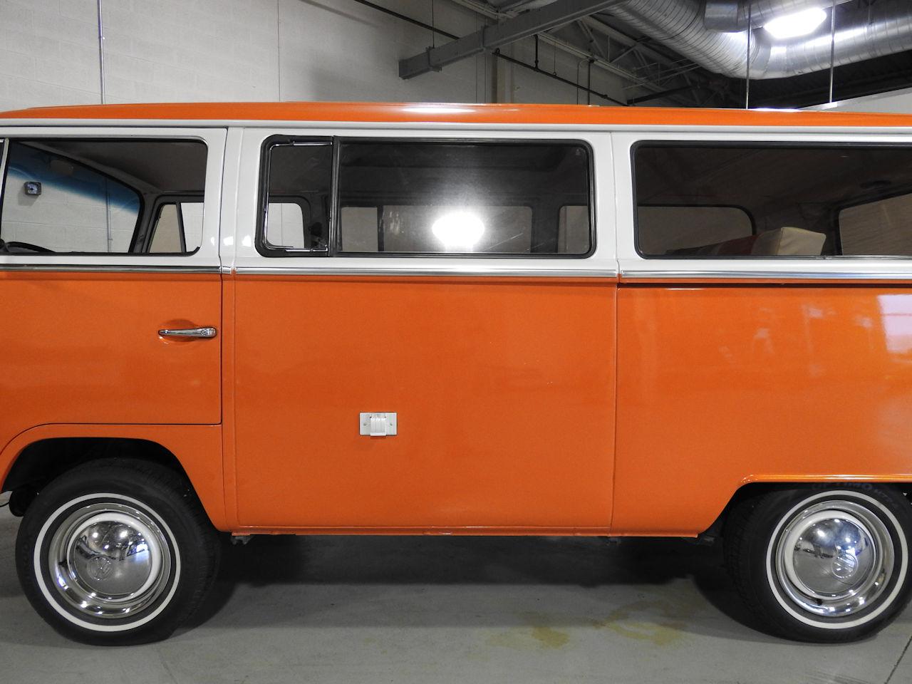 1969 Volkswagen Weekender 27