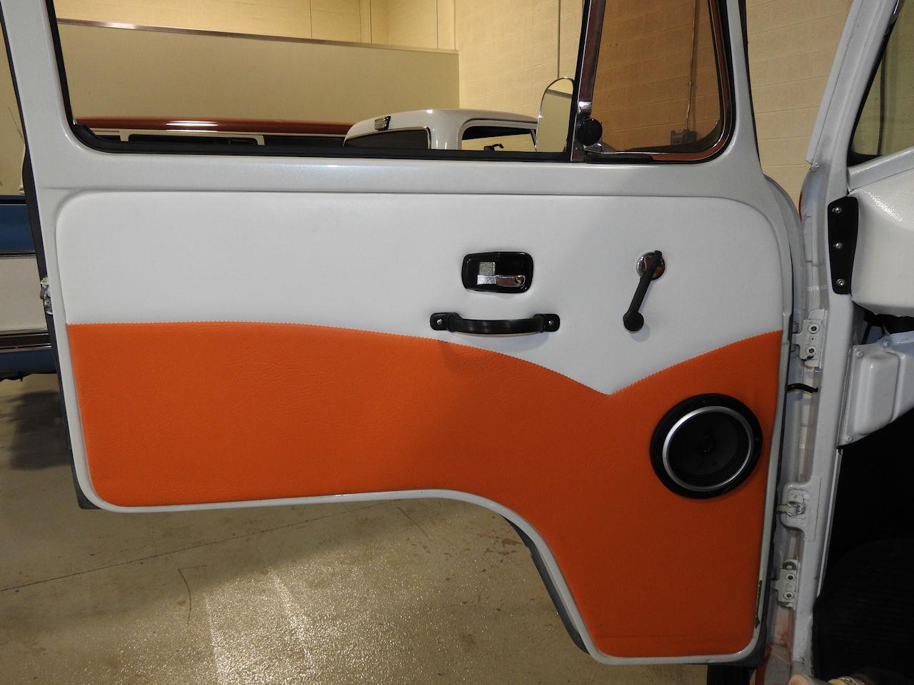 1969 Volkswagen Weekender 53