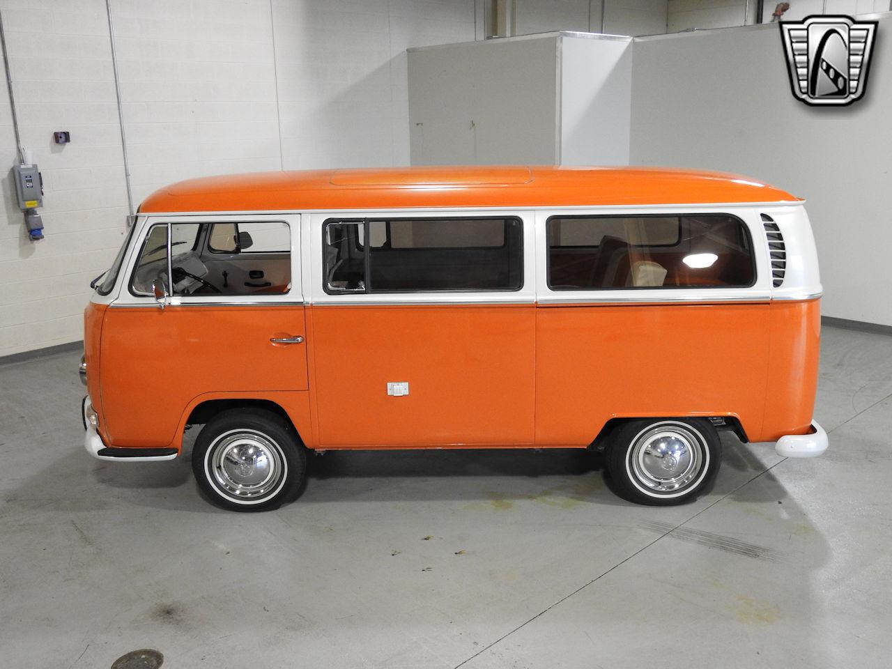 1969 Volkswagen Weekender 84