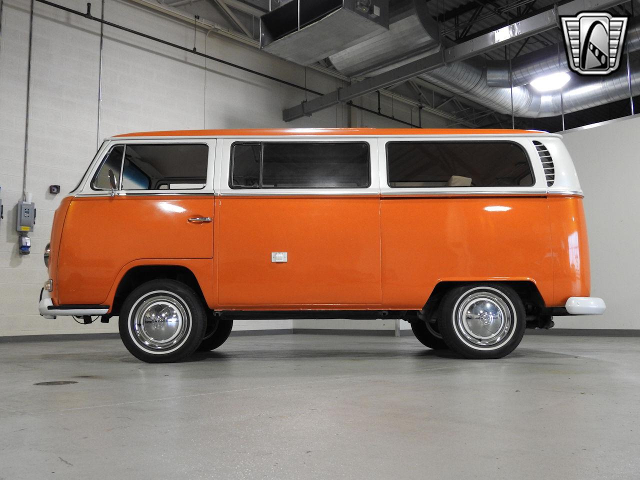 1969 Volkswagen Weekender 7
