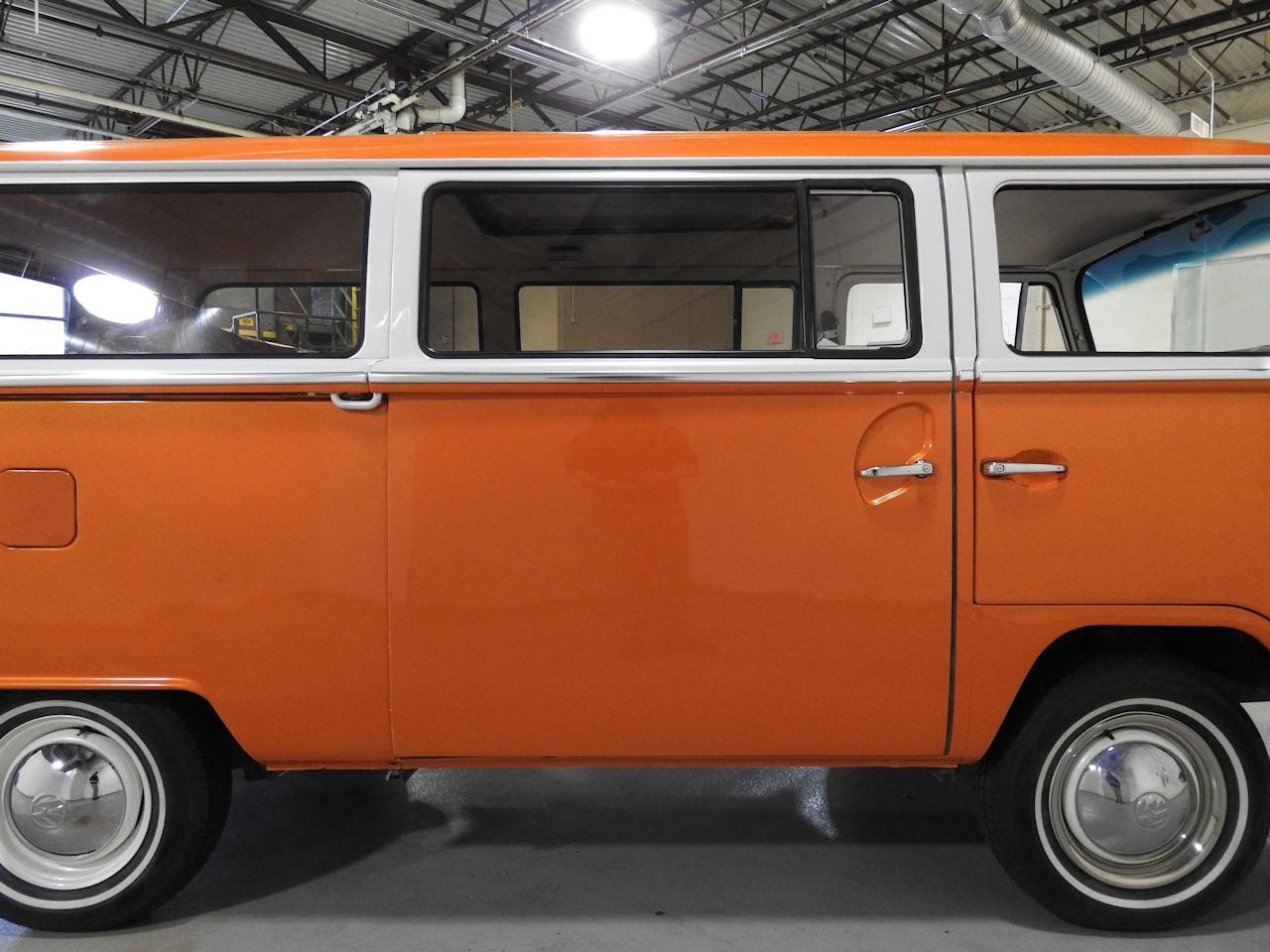 1969 Volkswagen Weekender 30