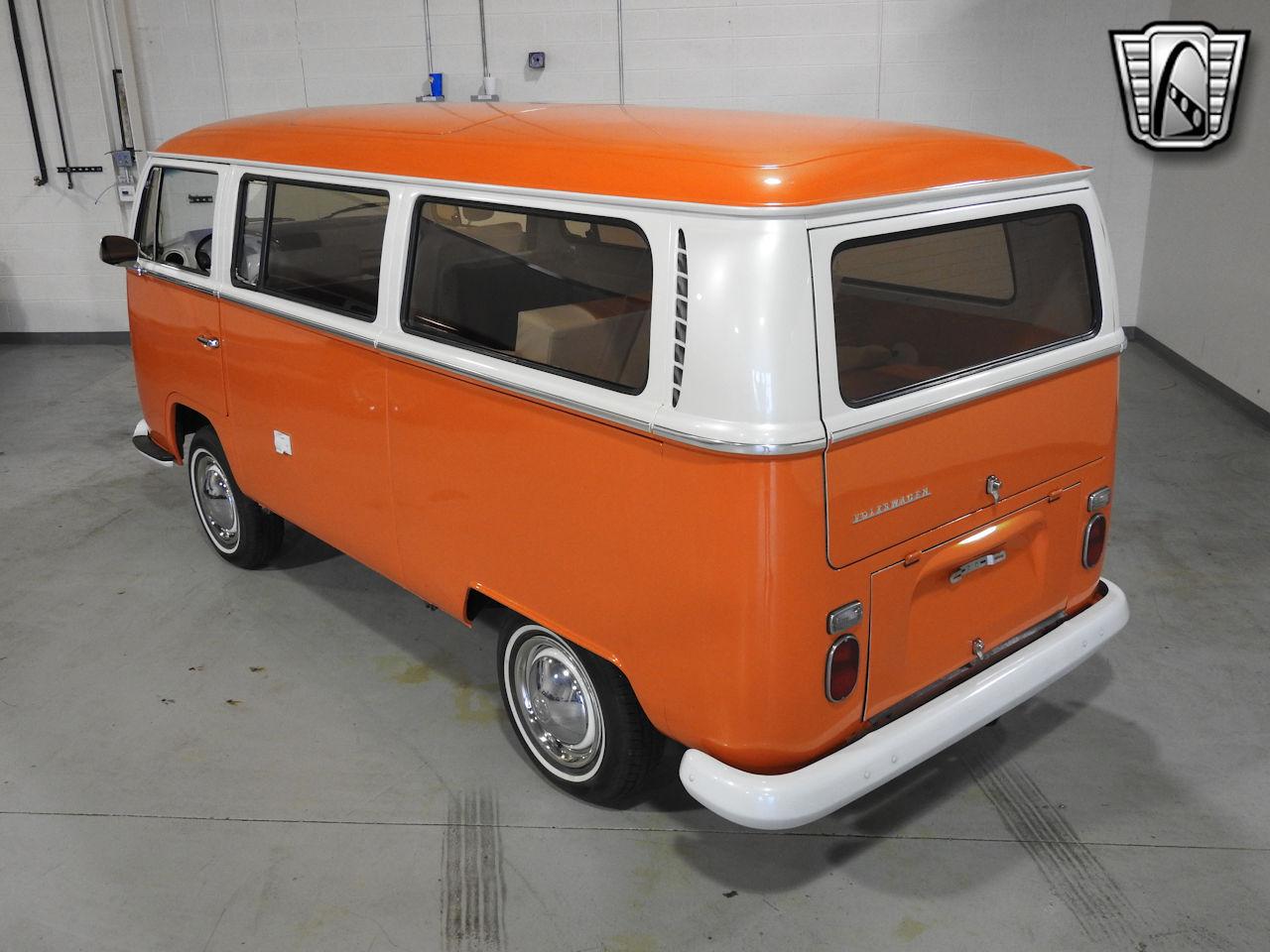 1969 Volkswagen Weekender 8