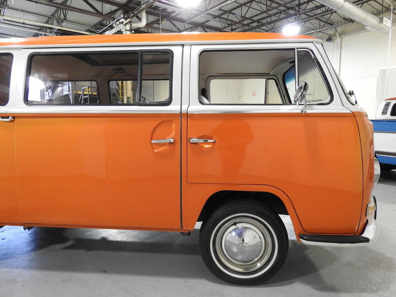 1969 Volkswagen Weekender 31