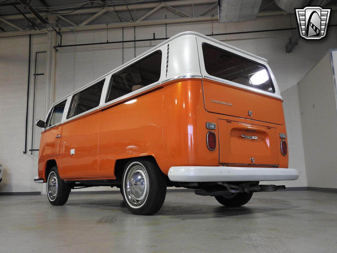 1969 Volkswagen Weekender 9