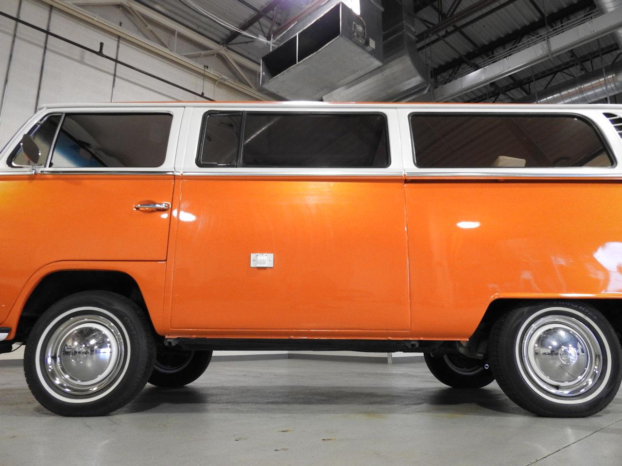 1969 Volkswagen Weekender 33
