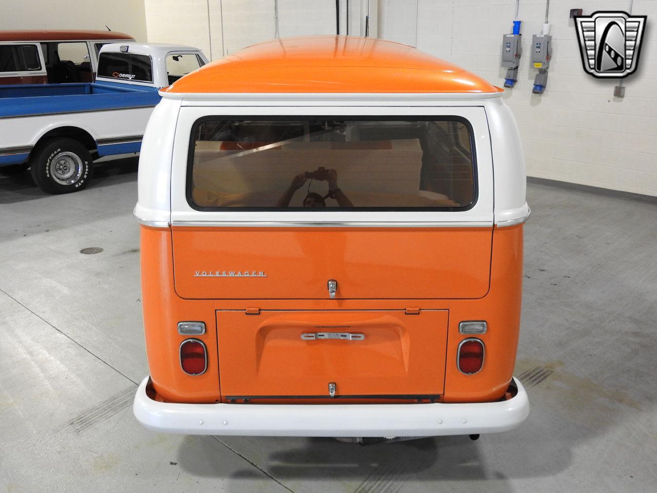 1969 Volkswagen Weekender 10