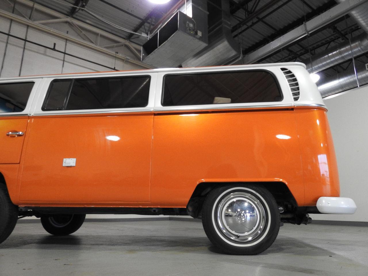 1969 Volkswagen Weekender 34