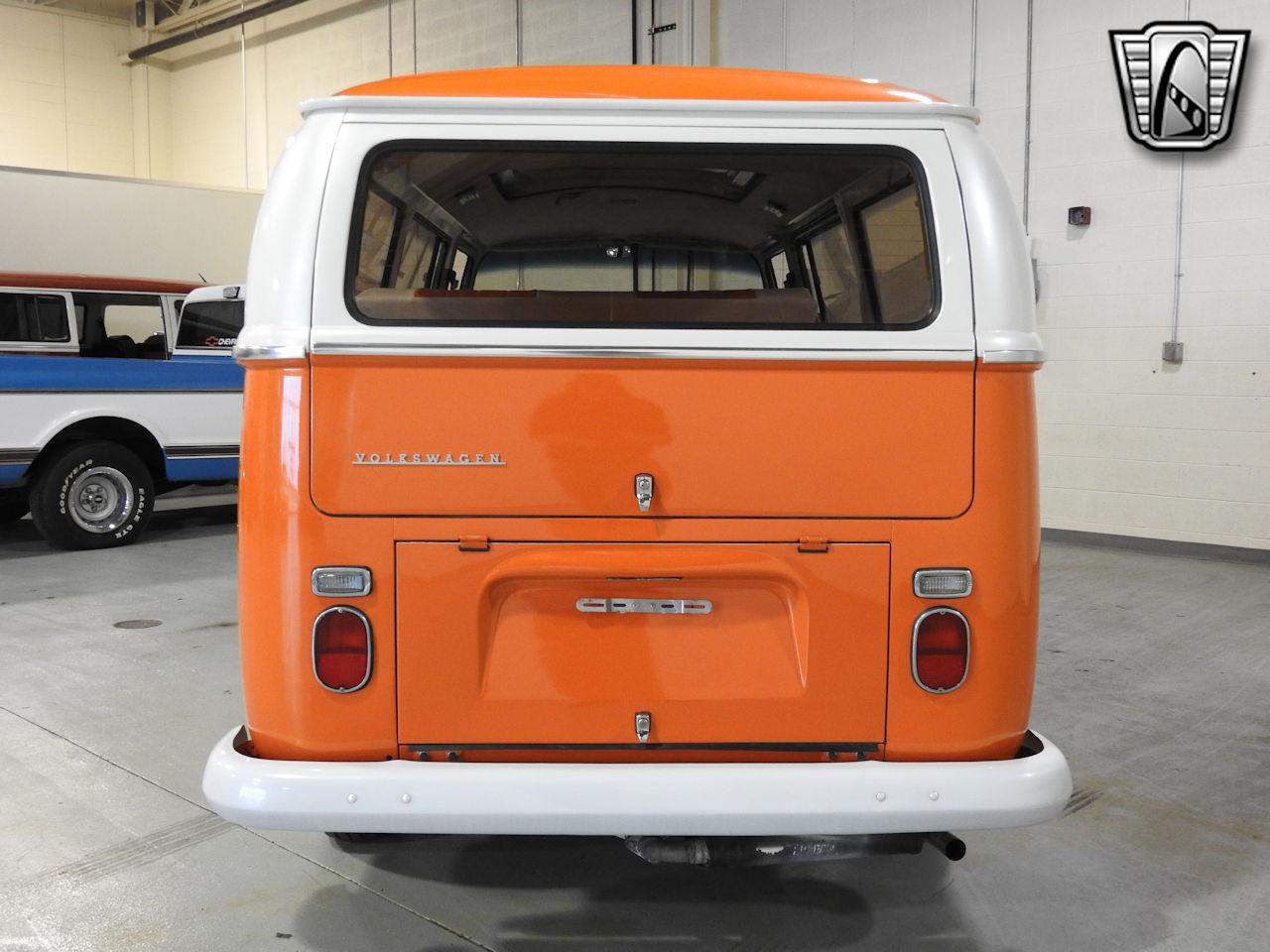 1969 Volkswagen Weekender 11