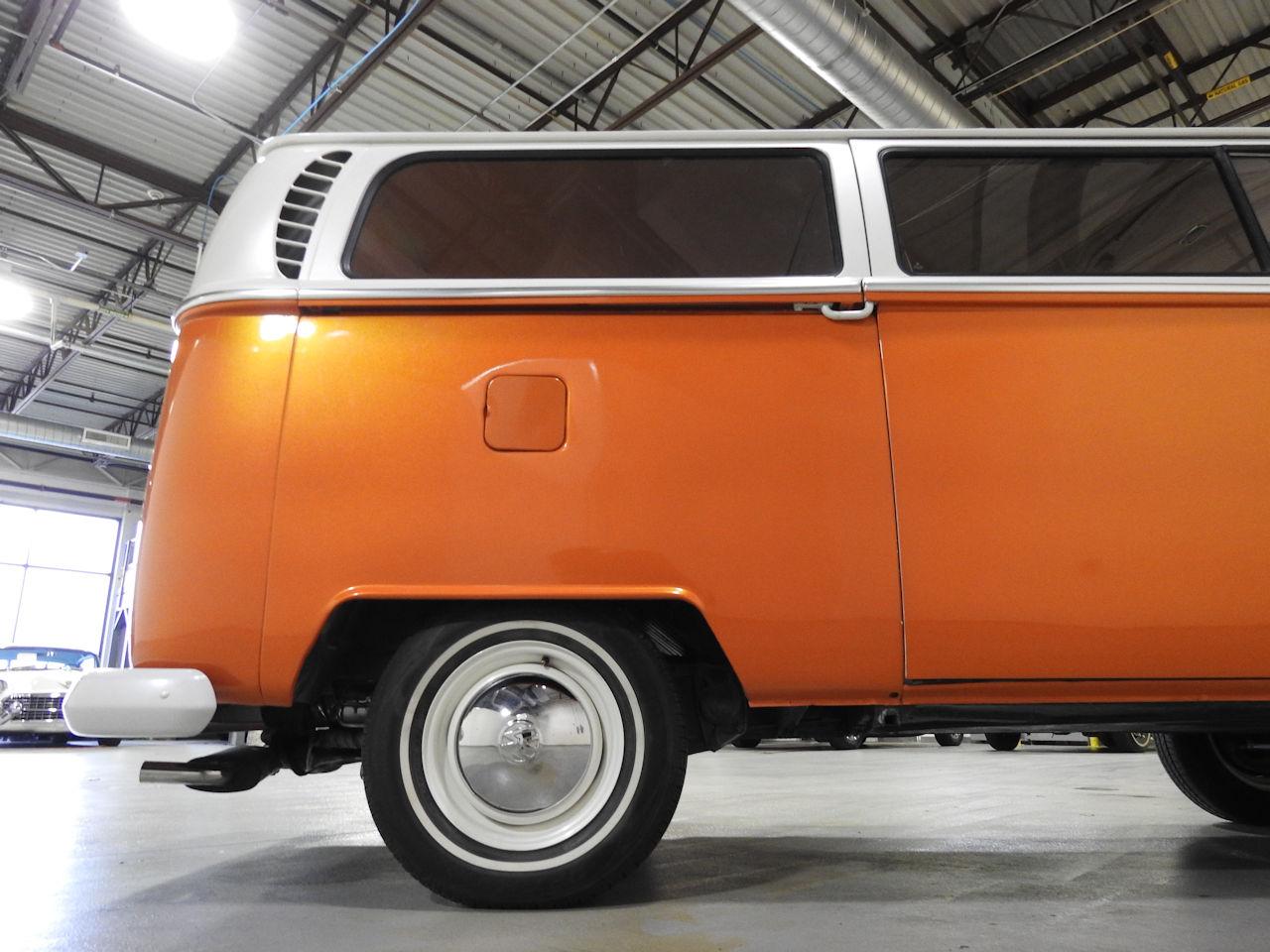 1969 Volkswagen Weekender 35
