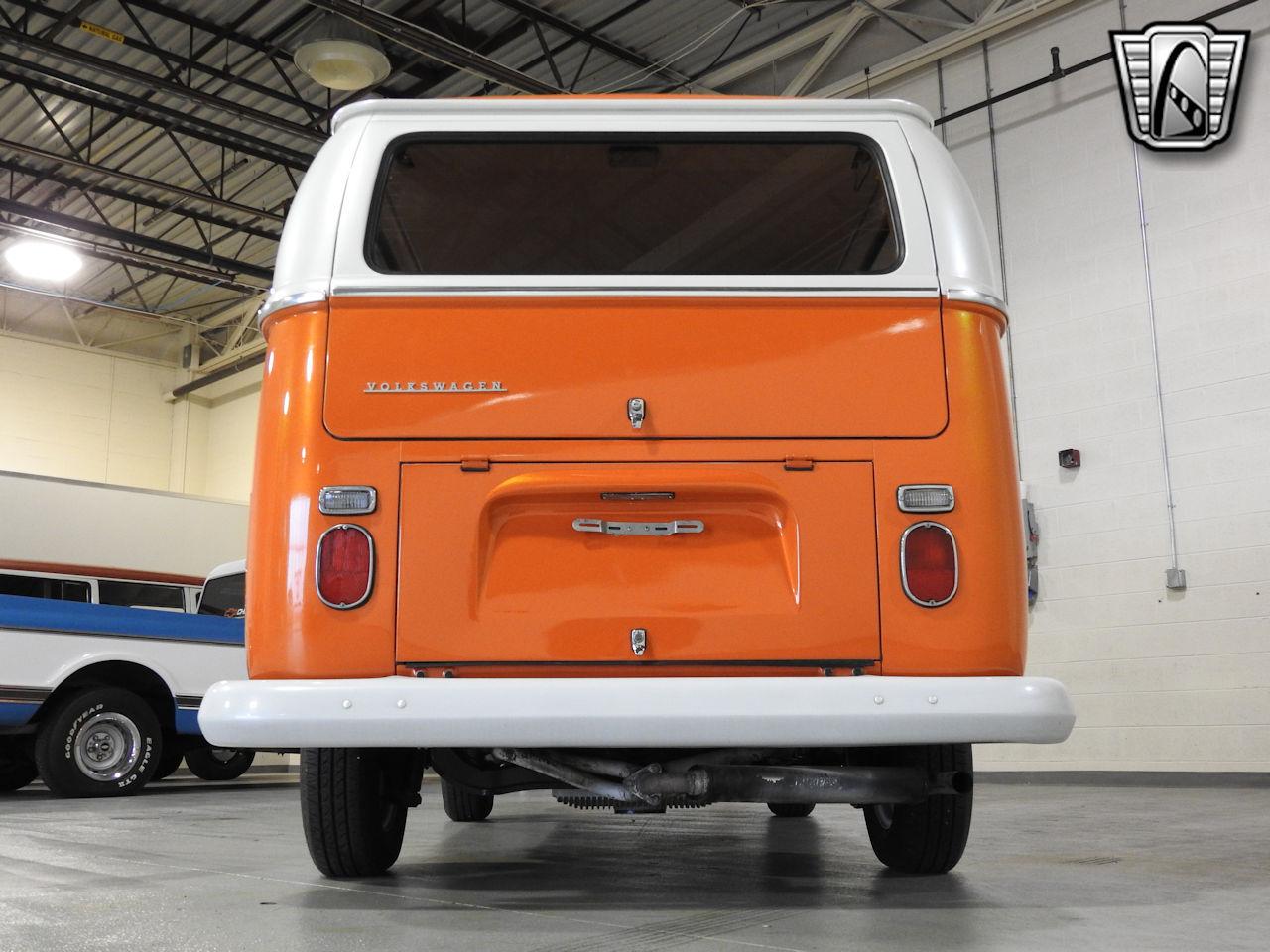1969 Volkswagen Weekender 12