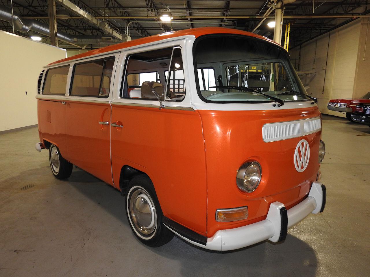 1969 Volkswagen Weekender 38