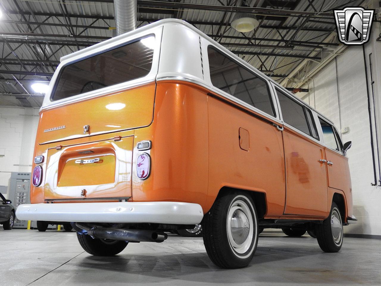 1969 Volkswagen Weekender 15