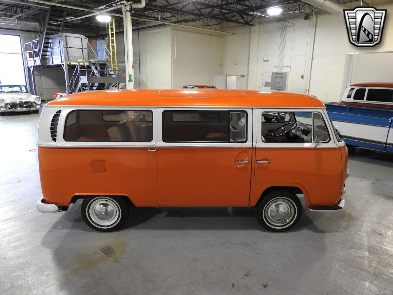 1969 Volkswagen Weekender 16