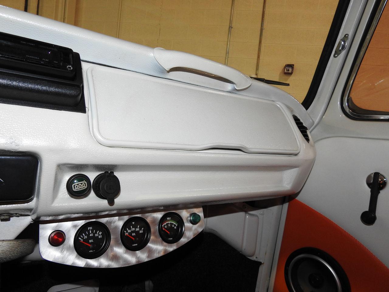 1969 Volkswagen Weekender 62