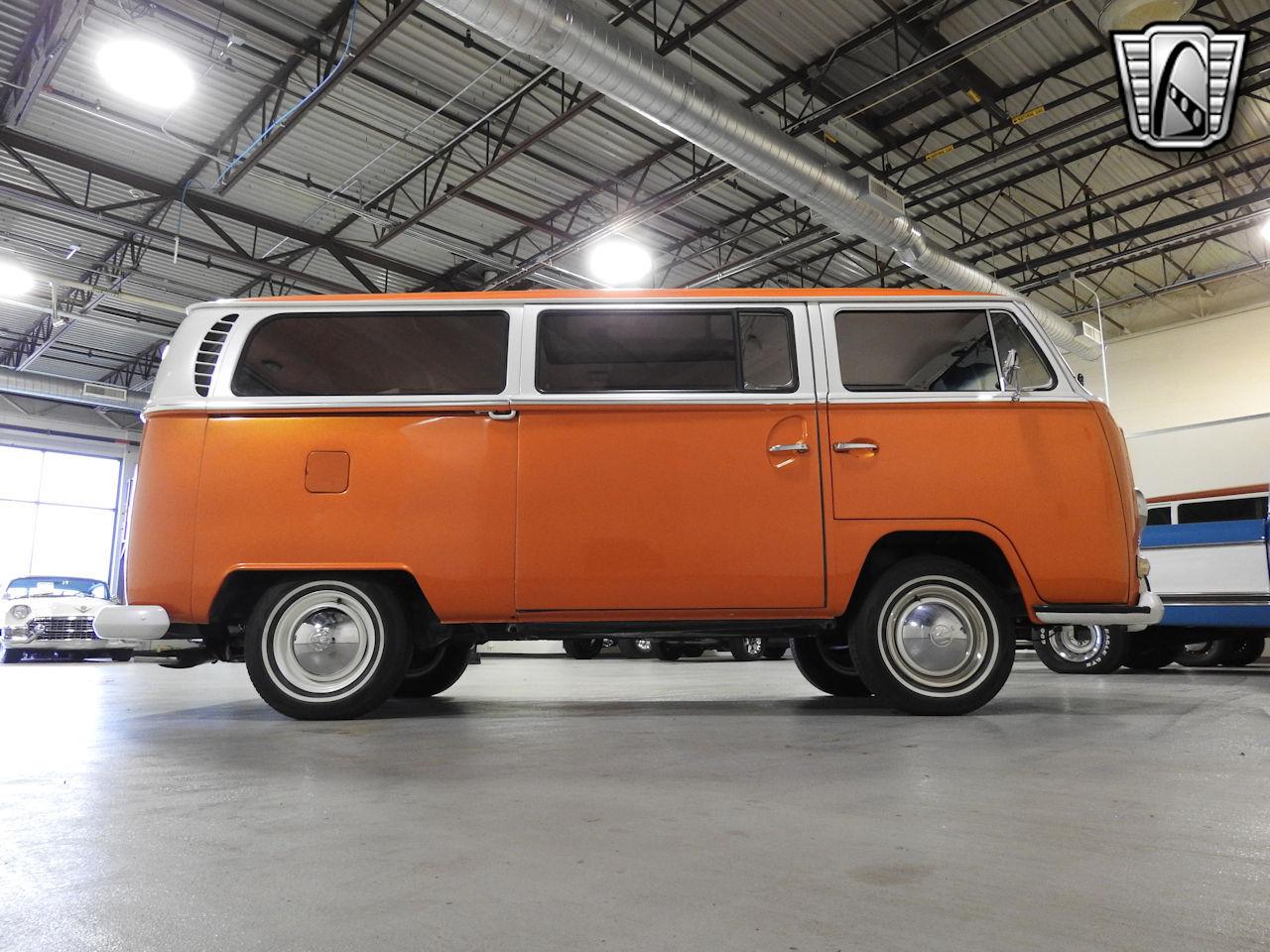 1969 Volkswagen Weekender 17
