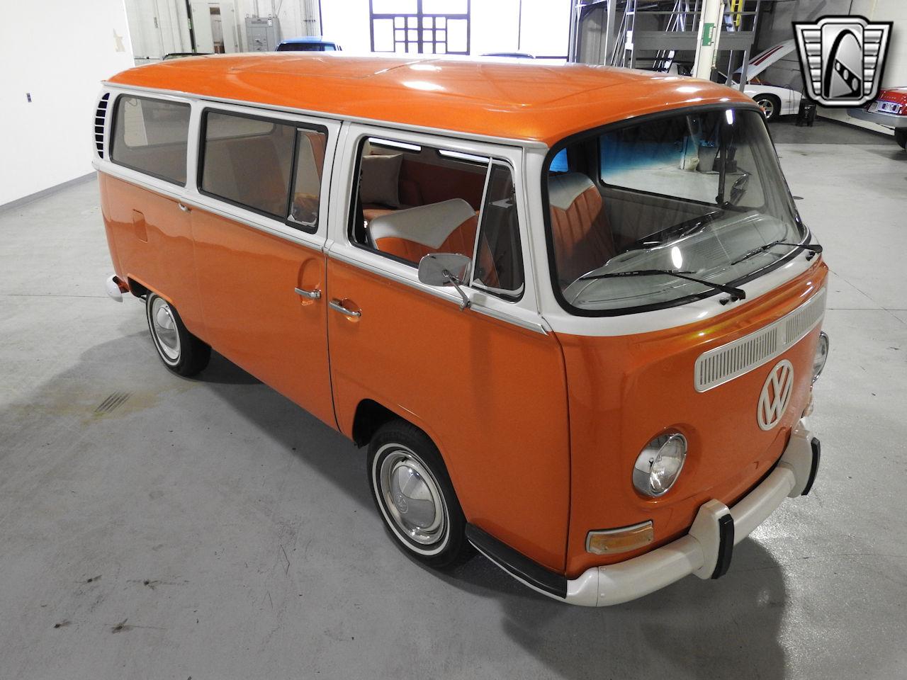 1969 Volkswagen Weekender 18