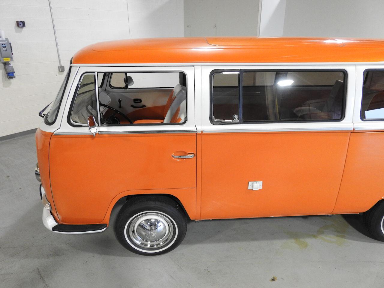 1969 Volkswagen Weekender 20