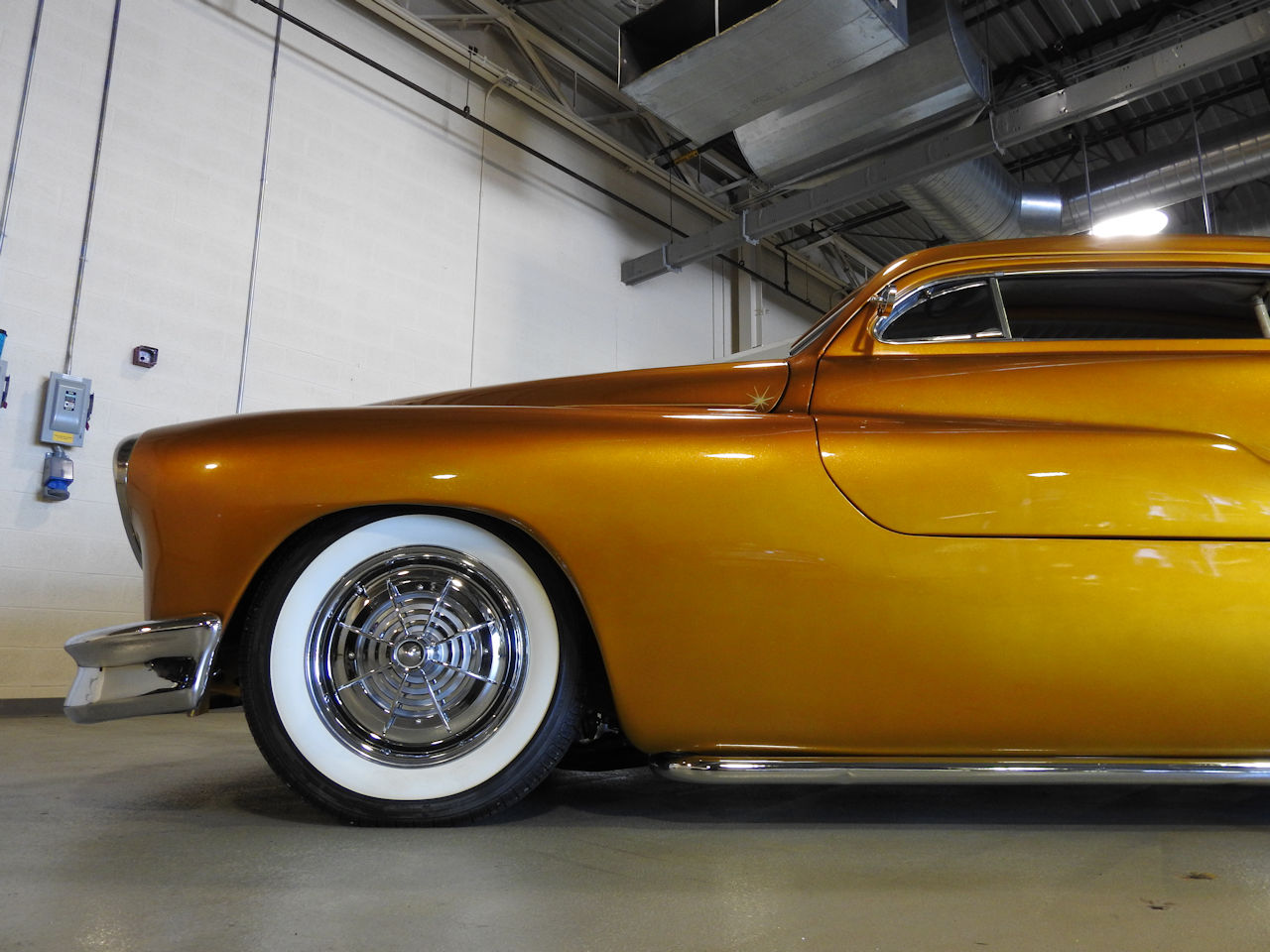 1951 Mercury Custom 32