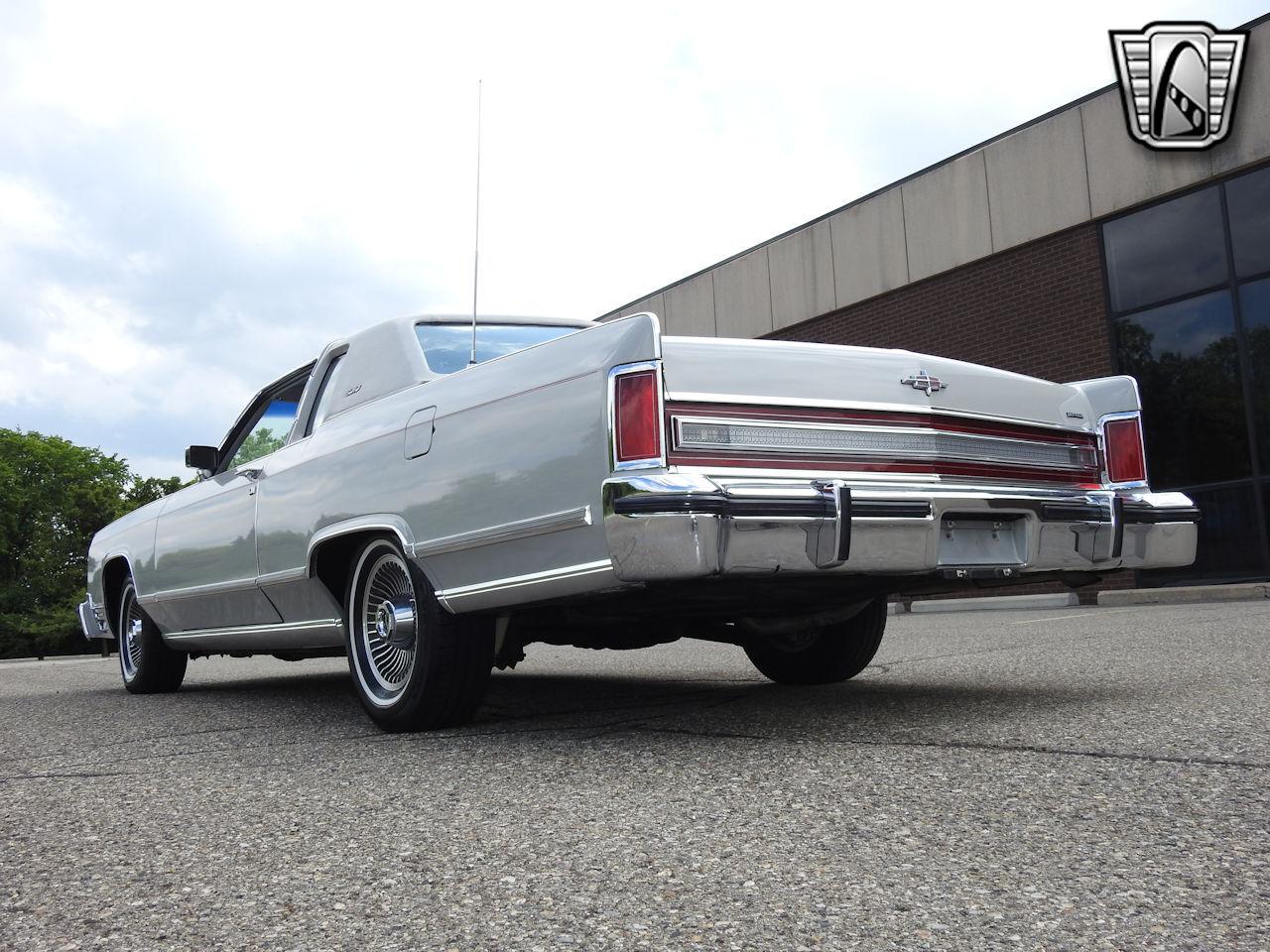 1979 Lincoln Continental 30
