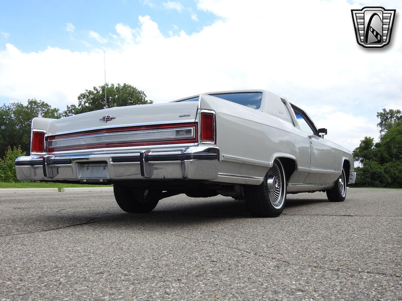 1979 Lincoln Continental 35
