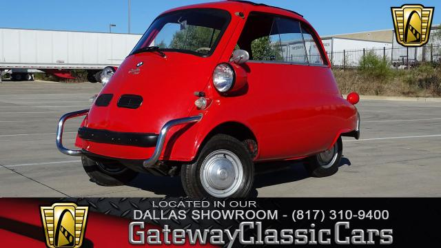 1958 BMW Isetta <br><span style='font-size: large; font-style: italic'><b>300 </b></span>