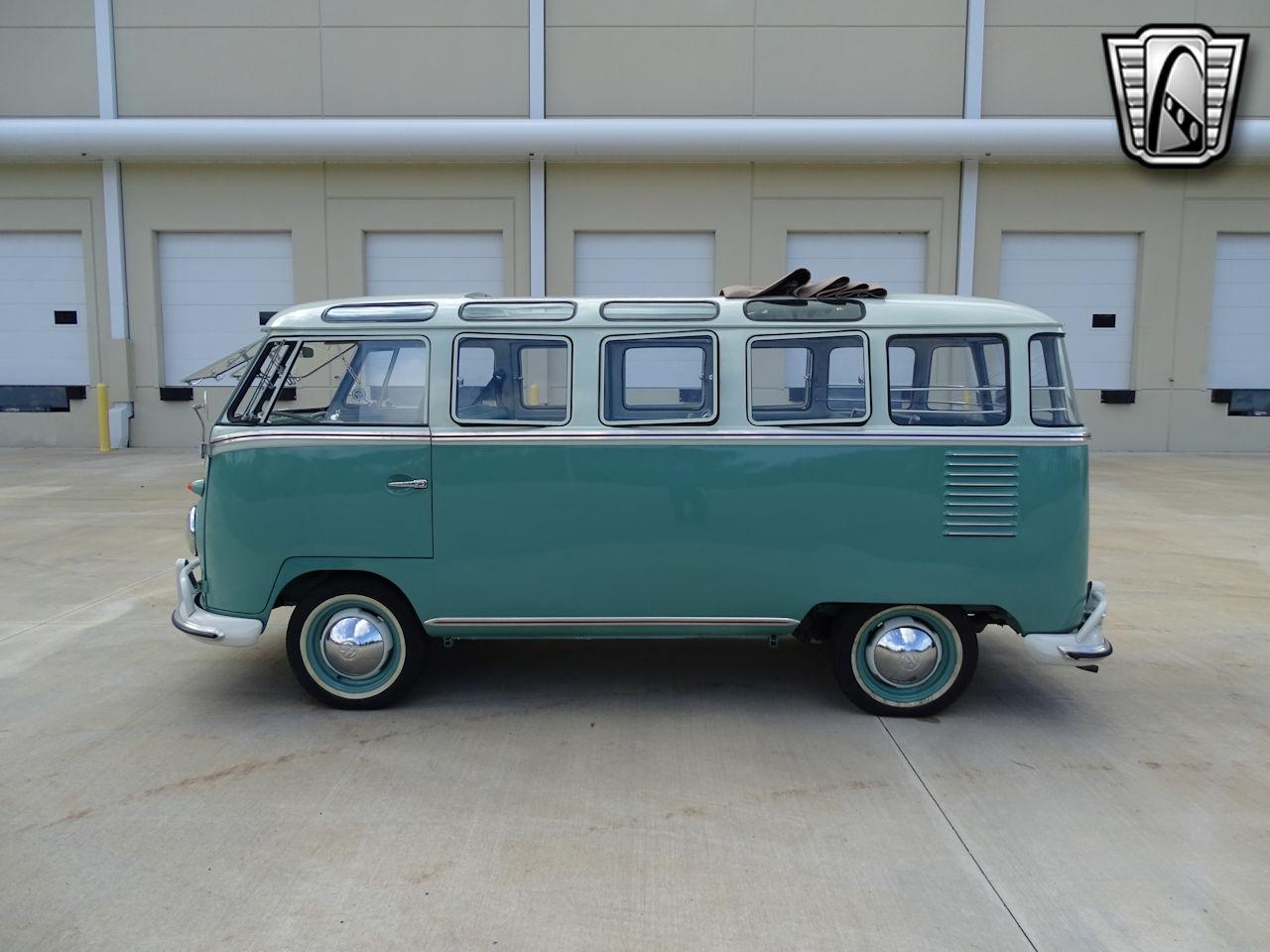 1961 Volkswagen Bus 2