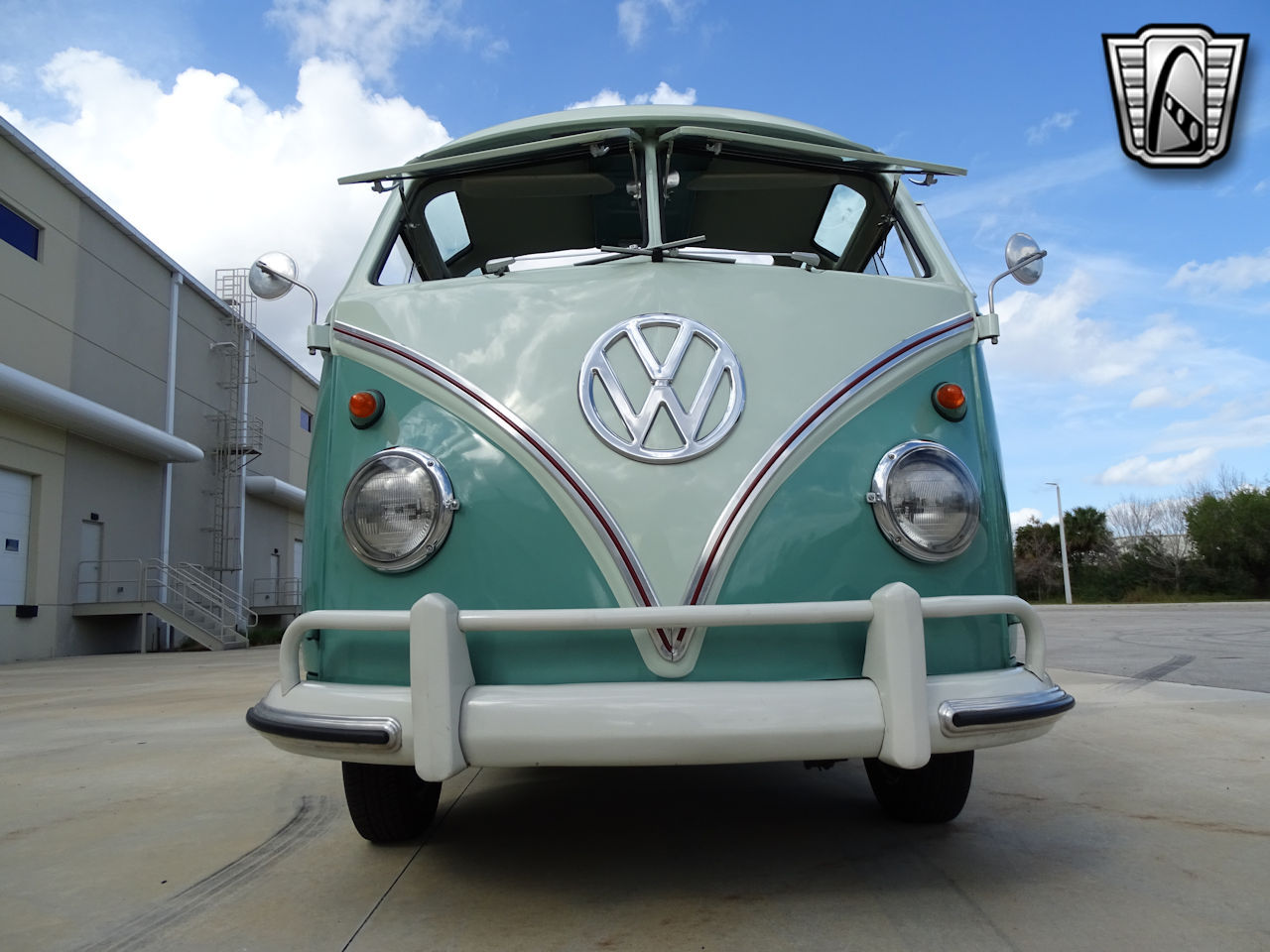 1961 Volkswagen Bus 7
