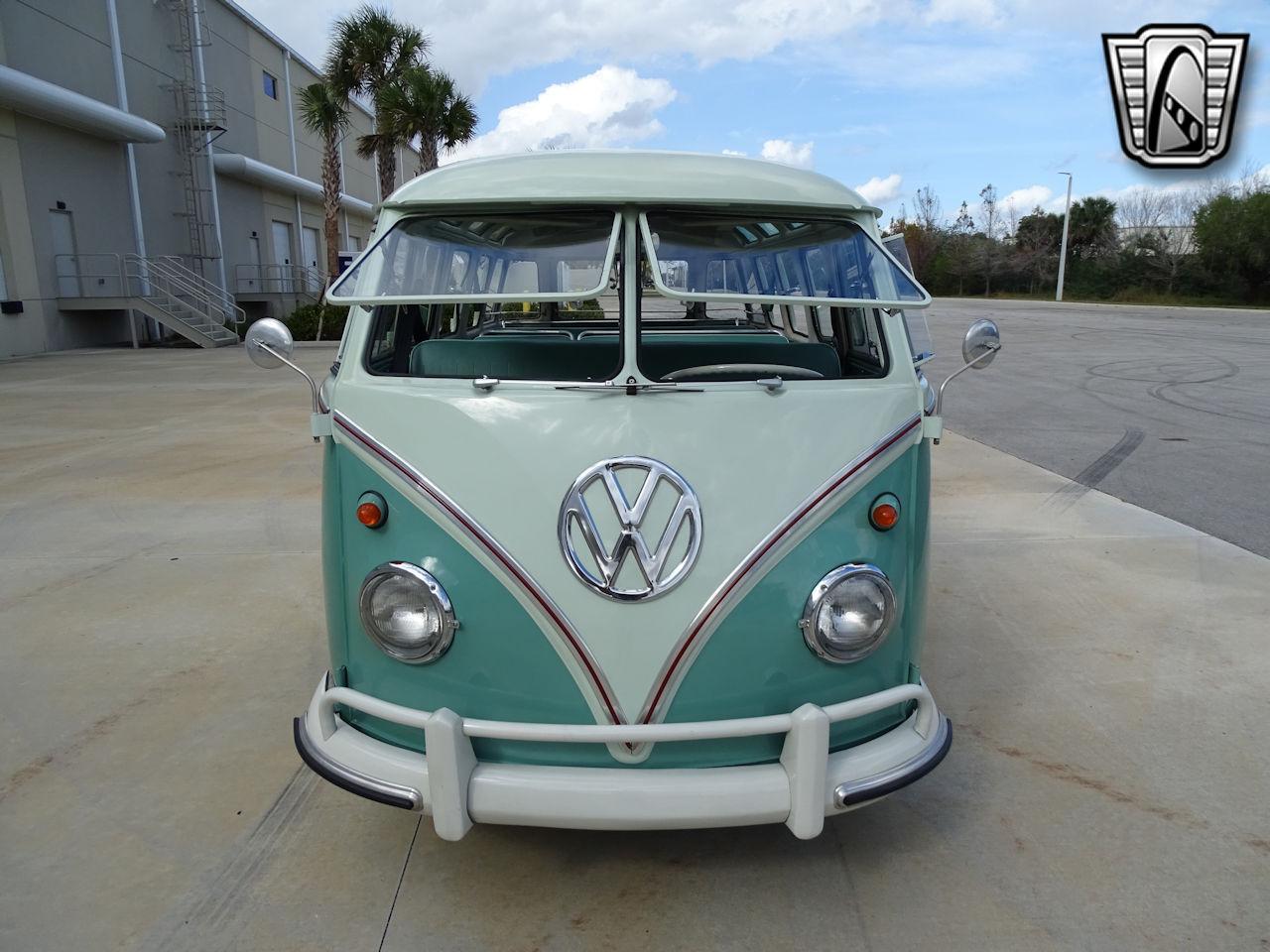 1961 Volkswagen Bus 8