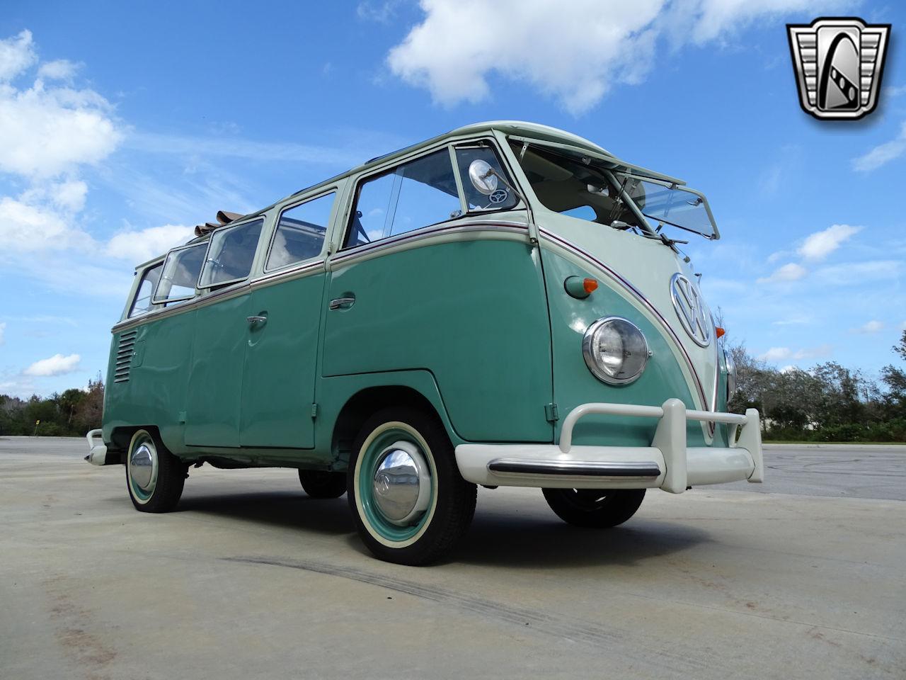 1961 Volkswagen Bus 10