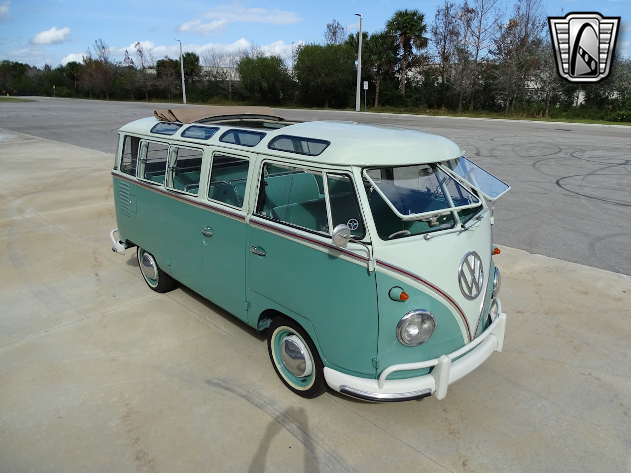 1961 Volkswagen Bus 12