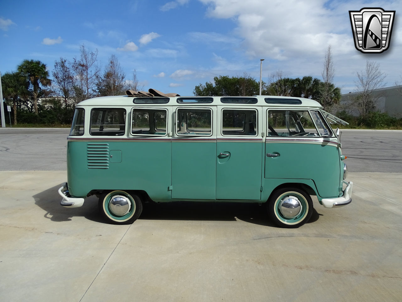 1961 Volkswagen Bus 14