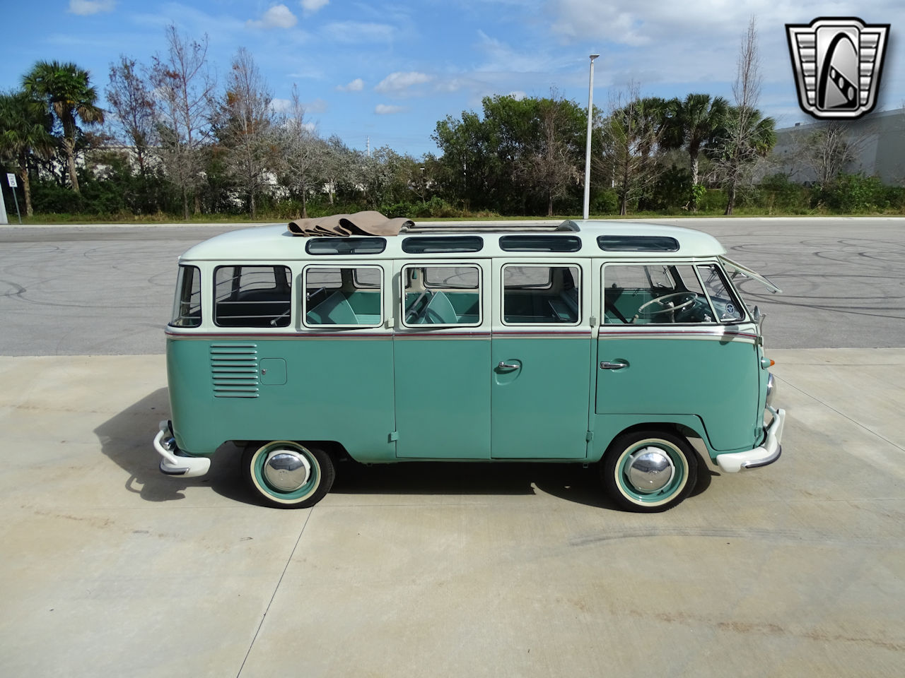 1961 Volkswagen Bus 15