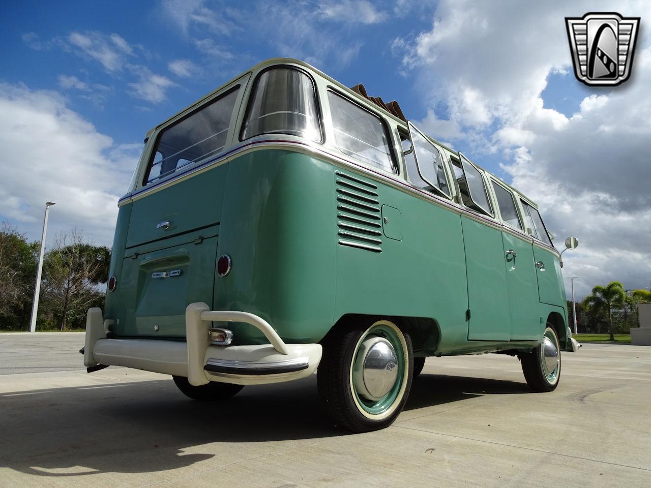 1961 Volkswagen Bus 16