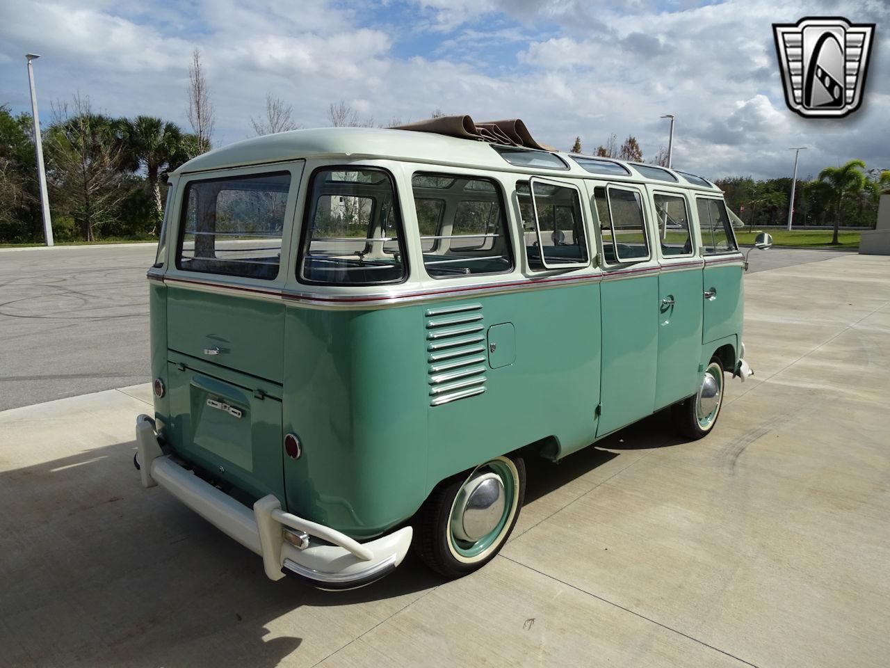 1961 Volkswagen Bus 17