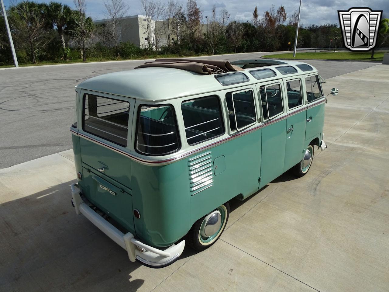 1961 Volkswagen Bus 18