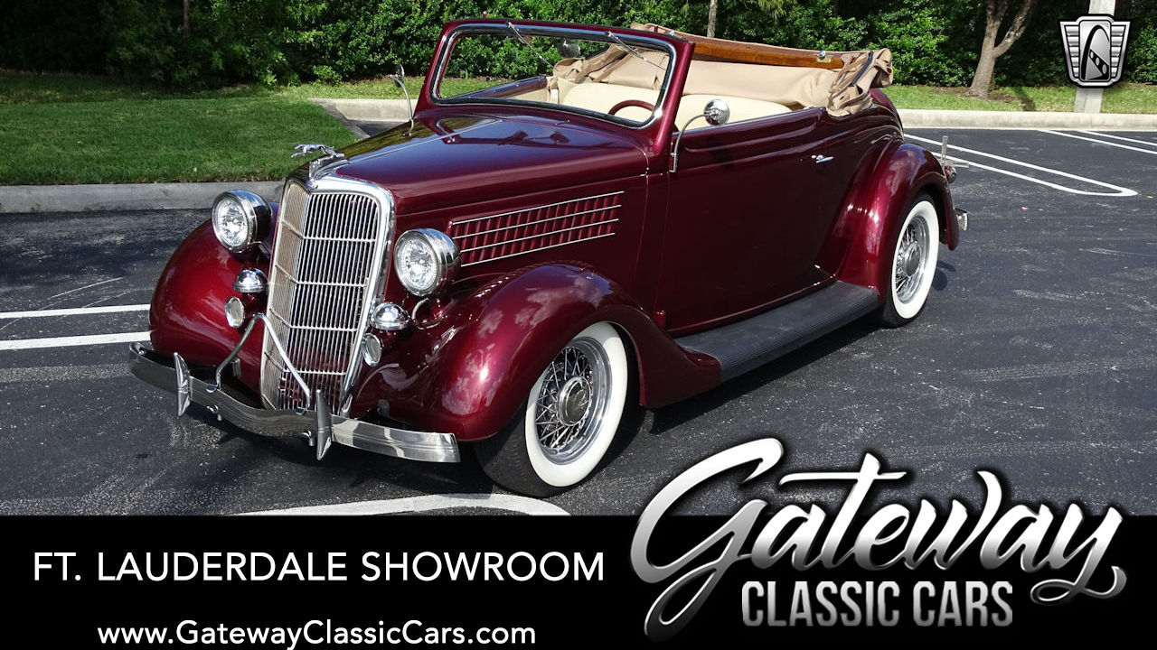 1935 Ford Deluxe Cabriolet