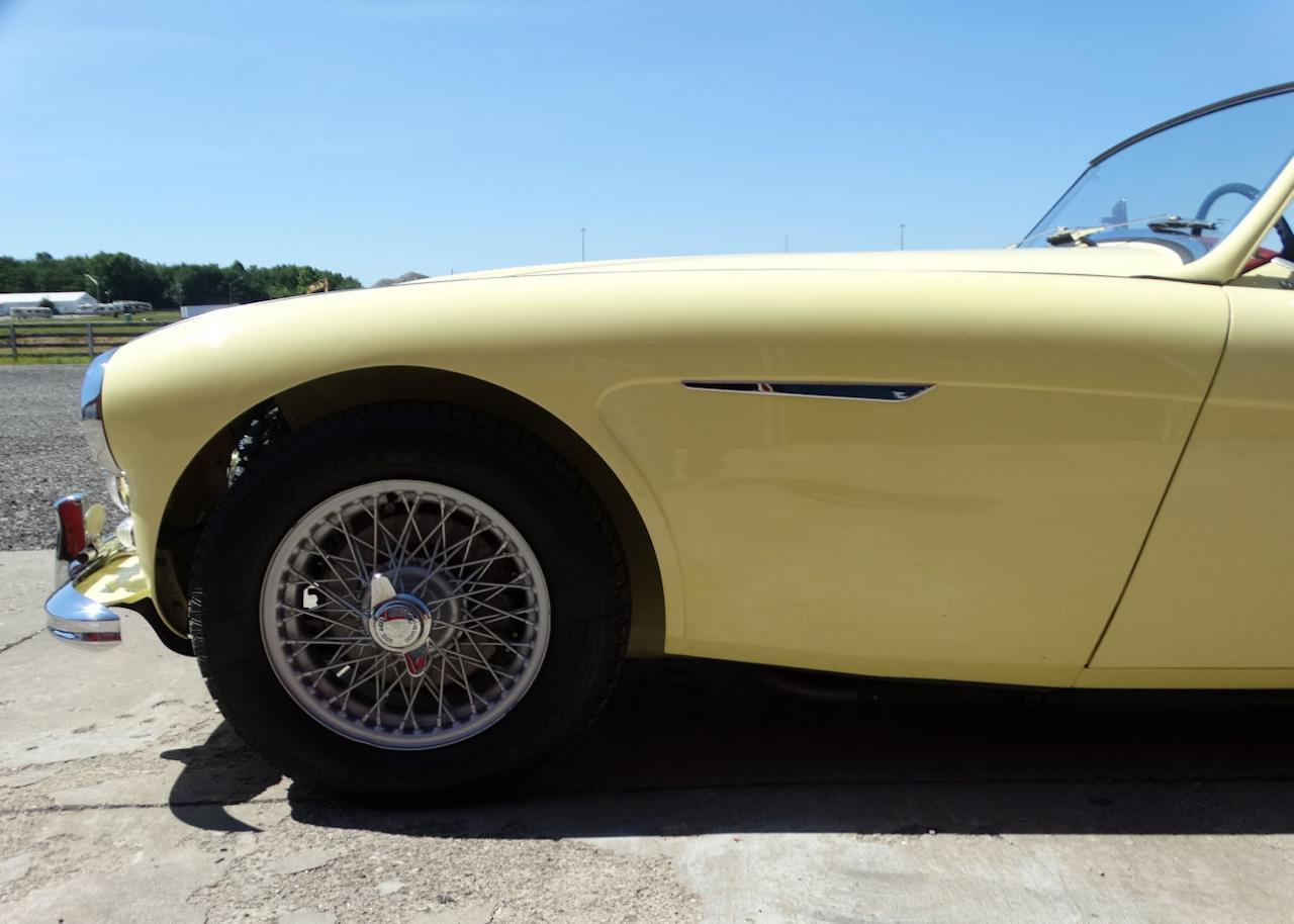 1961 Austin Healey 3000 9