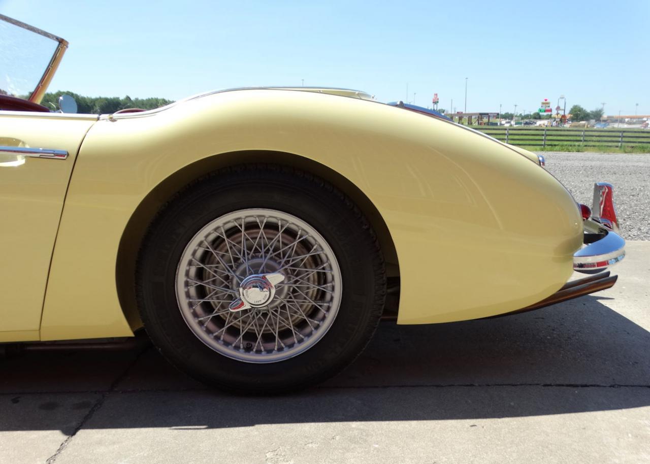 1961 Austin Healey 3000 19