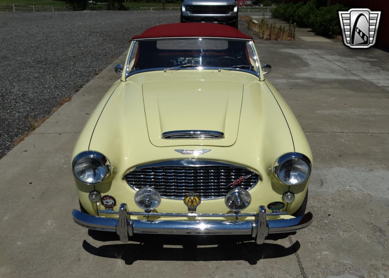 1961 Austin Healey 3000 32