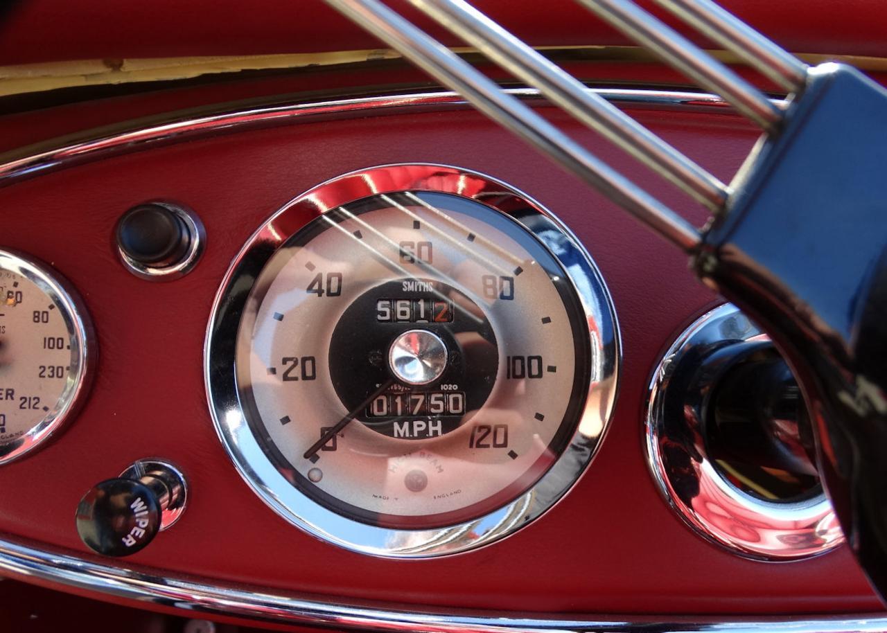 1961 Austin Healey 3000 33