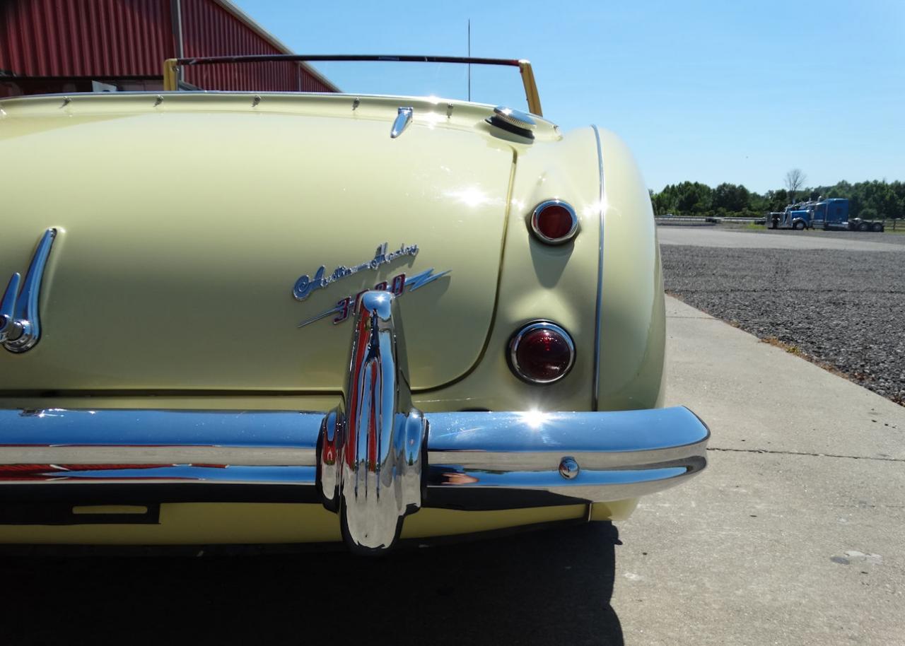 1961 Austin Healey 3000 37