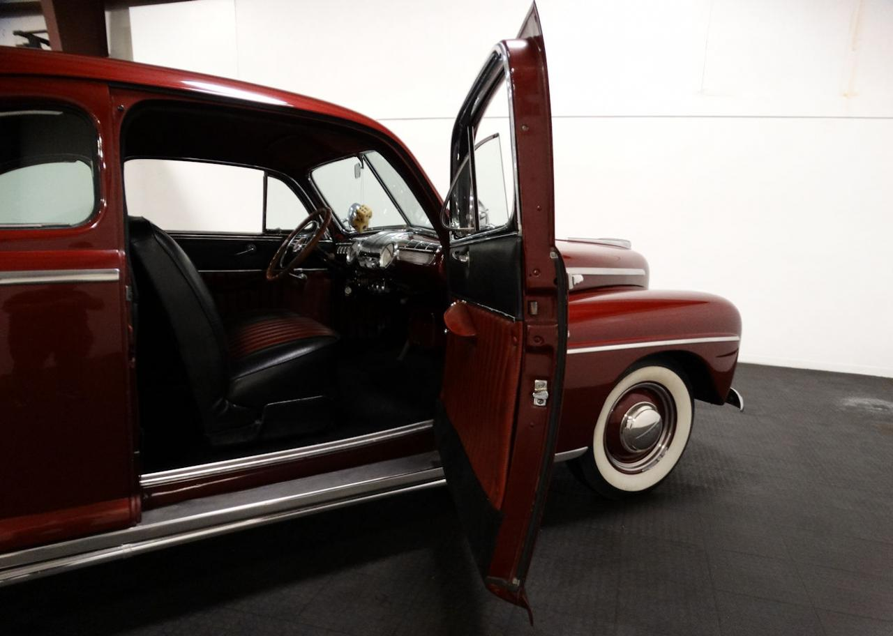 1947 Ford Coupe 91