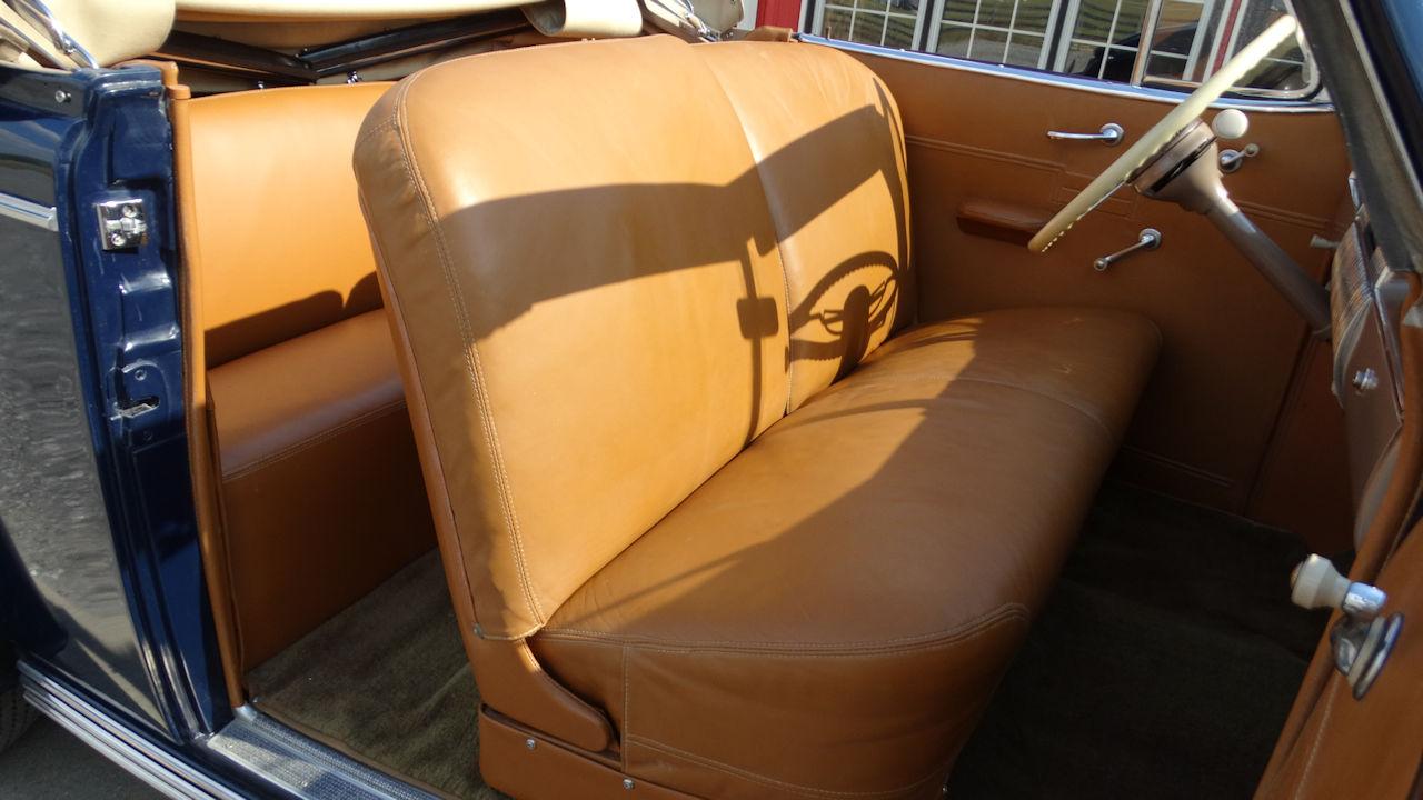 1940 Cadillac LaSalle 21