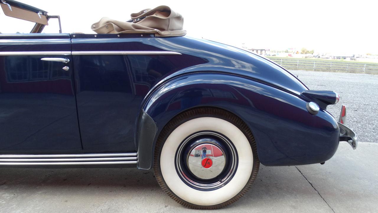 1940 Cadillac LaSalle 23