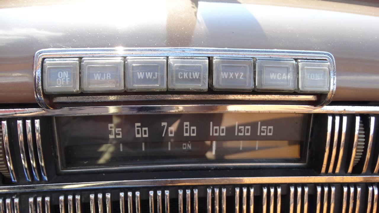 1940 Cadillac LaSalle 25