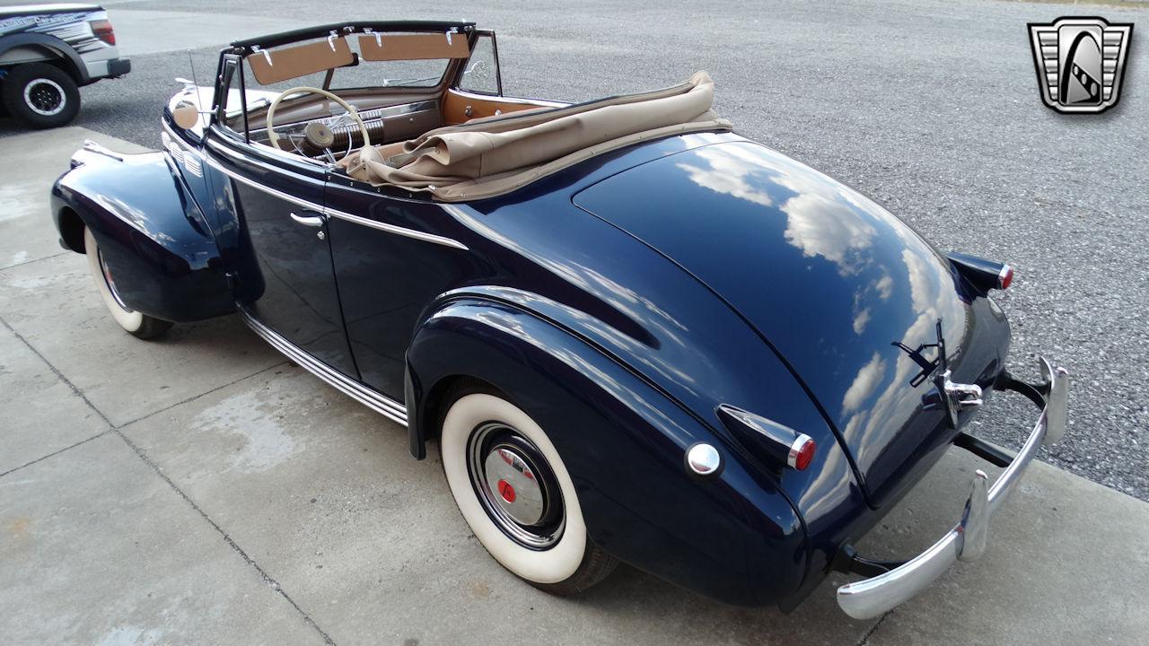 1940 Cadillac LaSalle 56