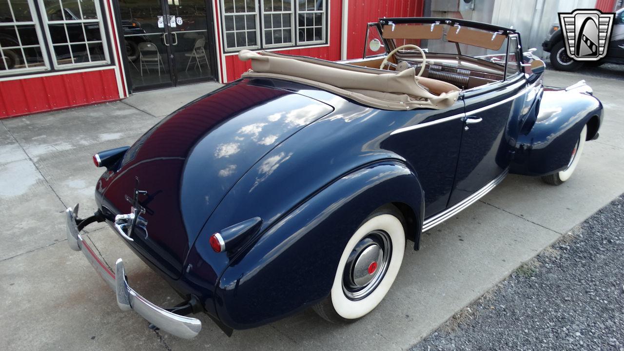 1940 Cadillac LaSalle 66