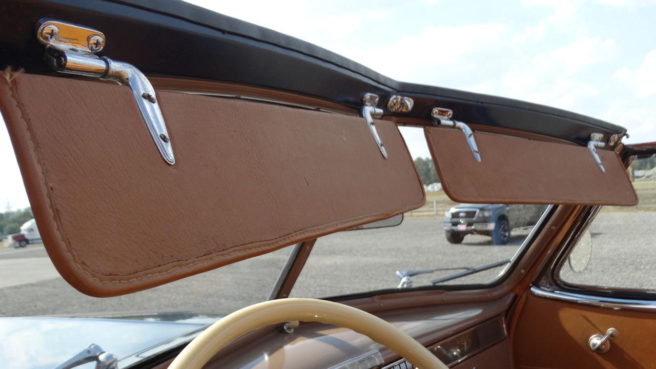 1940 Cadillac LaSalle 69